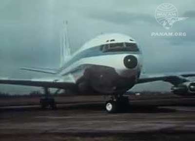 Pan Am Boeing 707 in a turn