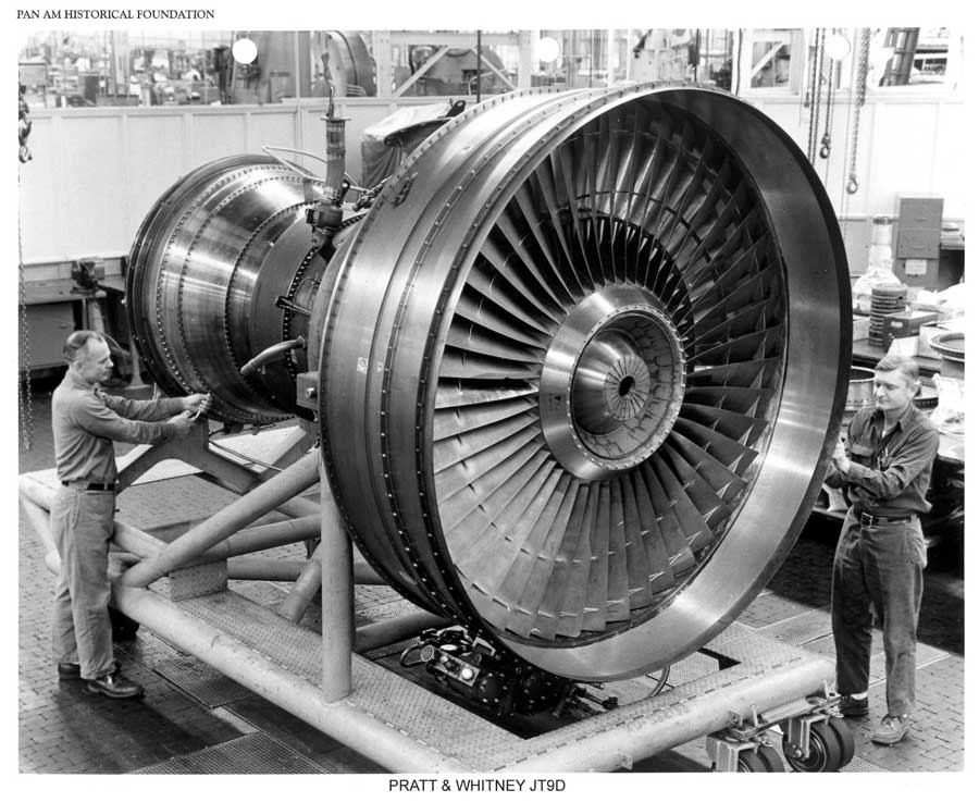 Pan Am Boeing 747 engine