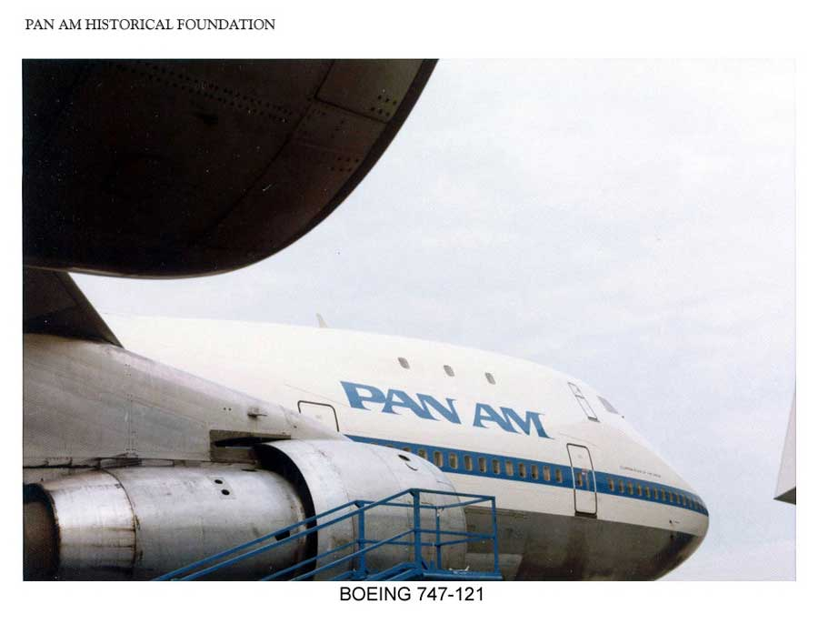 Pan Am Boeing 747 starboard side view