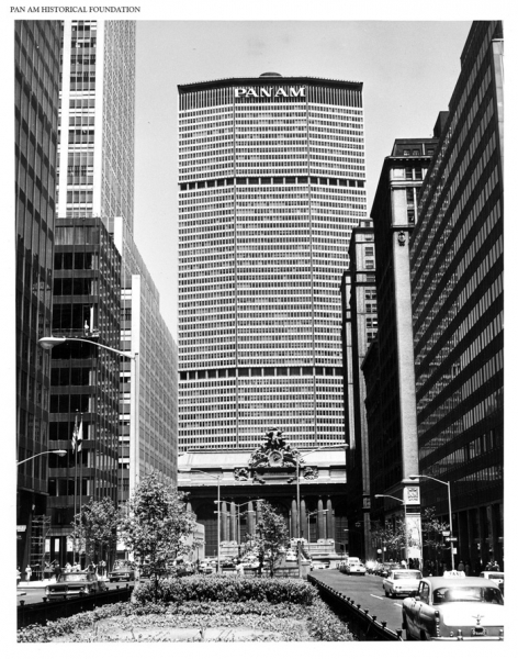 http://www.panam.org/images/igallery/resized/4401-4500/View_of_Pan_Am_Building_from_Park_Avenue-4437-900-600-100.jpg