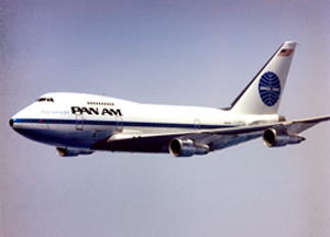 pan american world airways 747 in flight