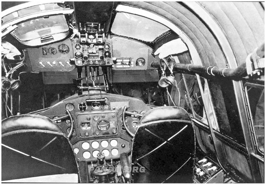 M130 Cramped Cockpit - PAHF photo