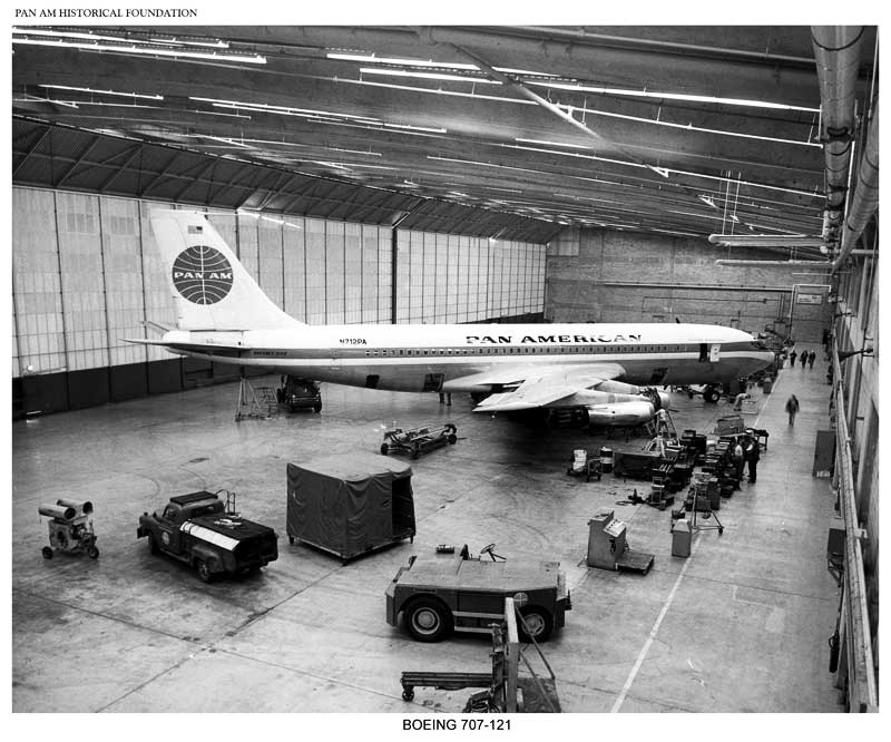 Pan Am Boeing 707 121