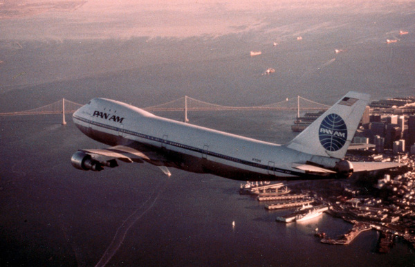 Pan Am 747 over San Francisco