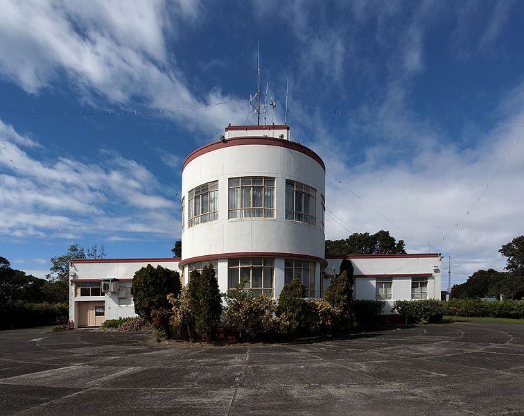 Musick Memorial Radio Station Auckland NZ 2009 photographed by Russell Street