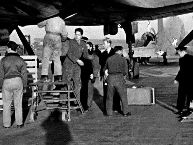 Baggage unloading Tulin 1946. Ed Dover photo