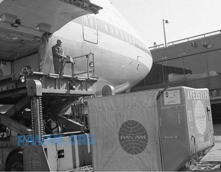 Loading the Pan Am  747, China Clipper II.